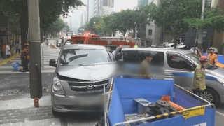 승합차, 노인보호센터 차량 충돌…노인 7명 부상