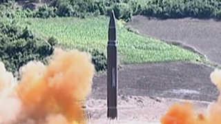 """미 고위관리, 북한 내년 핵ICBM 보유설에 """"곧 기정사실"""""""