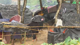 배설물 넘쳐나는 로힝야족 난민촌…'보건 재앙' 우려