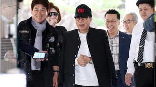 [현장연결] '그림대작' 사기 혐의 조영남, 1심 선고 앞두고 출석