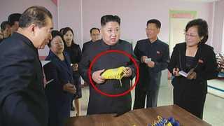 김정은 시찰 신발공장서 유명브랜드 '유사' 신발 포착