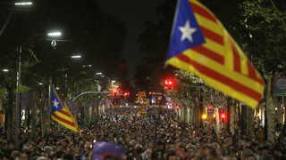 스페인 카탈루냐 자치권 몰수 착수…치킨게임 돌입