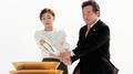 وصول الشعلة الأولمبية إلى كوريا الجنوبية مع تبقى 100 يوم على افتتاح بيونغ تشانغ