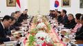 Los líderes de Corea del Sur e Indonesia acuerdan mejorar sus lazos y urgir a Co..