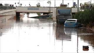 [현장영상] 마을이 거대한 강으로…그리스 아테네 폭우로 14명 숨져