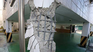 엿가락처럼 휜 기둥…지진에 취약한 '필로티' 붕괴위험