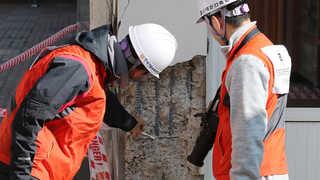 지진 피해 닷새째  복구 작업…취약 마을 복구 집중