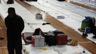 [뉴스초점] 포항 밤사이 4차례 여진…지진피해 응급복구율 82%