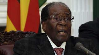 가택연금에도 웃은 무가베…짐바브웨의 '평화 쿠데타'