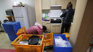지진 이재민 '새 집으로'…임대주택 입주 시작