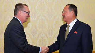 북한, 평창 올림픽 앞두고 '대화 모드' 전환하나