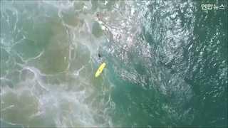 [현장영상] 바다에 빠진 소년 2명 구조한 드론…불과 70초 걸려