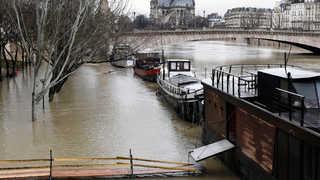 프랑스 센강 곳곳 범람…파리도 침수피해 속출