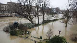 [현장영상] 프랑스 센강 곳곳 범람…침수피해 속출