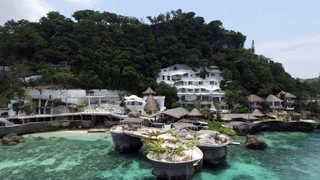 """""""환경정화"""" 보라카이 섬 폐쇄 수순…일부 리조트 허가 취소"""