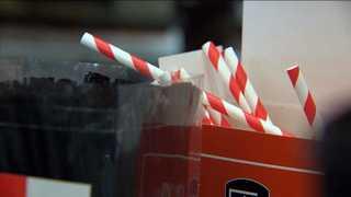 영국, 플라스틱 빨대ㆍ면봉 판매 금지 추진