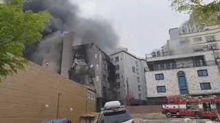 오산 6층 원룸건물서 불…17명 연기 흡입