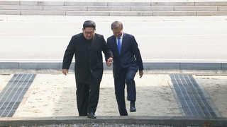 [현장연결] 문 대통령, 김정은 권유에 북측으로 깜짝 월경