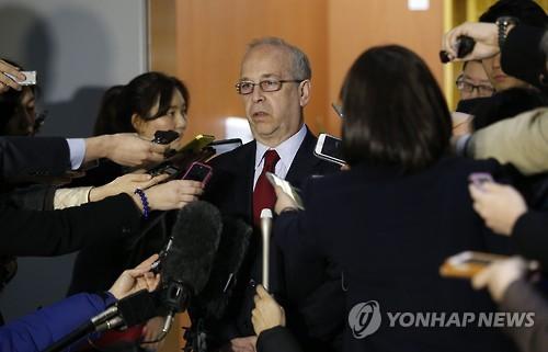 """러셀 美차관보 """"김정은 핵공격 능력 가질수 있지만 바로 죽는다""""(종합)"""