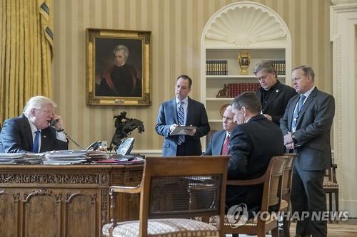 """트럼프 """"핵경쟁시 세계최고될 것""""…美·러 핵경쟁 부활하나"""
