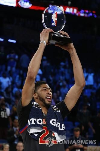 '52득점 신기록' 데이비스, NBA 올스타전 MVP