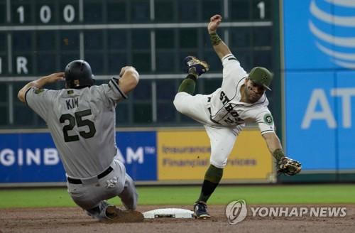 김현수 6경기 만에 멀티출루, 추신수 1볼넷