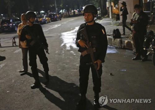 인도네시아, IS추종자 테러범죄 '비상'…또 경찰관에 흉기공격