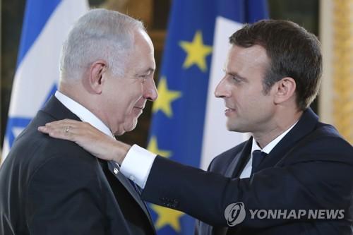 마크롱, 이번엔 이스라엘 총리 불러 중동평화협상 재개 압박