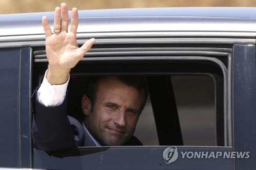 """마크롱 환상 깨지나…리비아 중재하려다 """"미숙했다"""" 난타"""