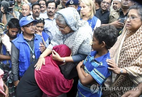 """방글라 총리 """"로힝야 난민 돌보겠지만, 미얀마가 데려가야"""""""