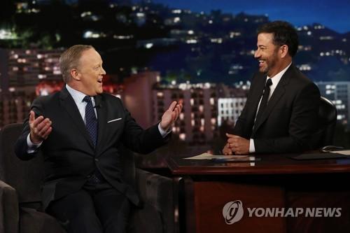 '트럼프의 입' 스파이서, 美방송에서 줄줄이 '퇴짜'