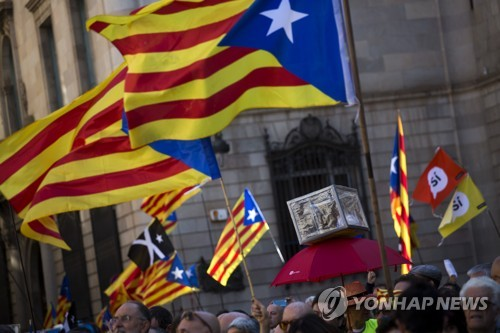"""스페인 경제장관 """"카탈루냐, 독립하면 빈곤의 늪 빠질 것"""""""