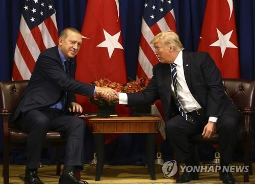 """트럼프 """"에르도안과 친구 됐다…지지율도 아주 높아"""""""