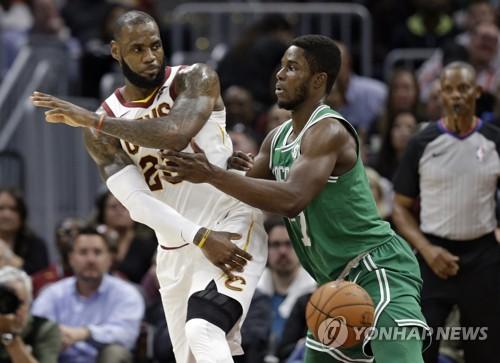 '제임스 29점' 클리블랜드, NBA 개막전에서 보스턴 격파(종합)