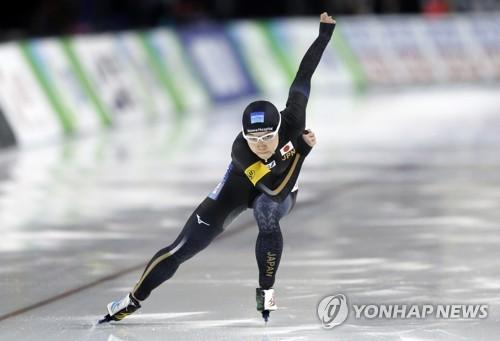 '이상화 라이벌' 고다이라, 1,000m 세계신기록 '무서운 질주'