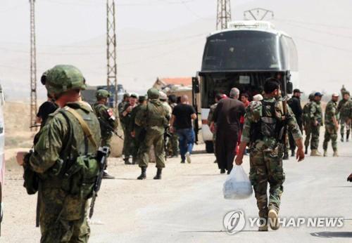 """""""시리아 수도 북동쪽 반군도 투항…터키 통제지역으로 퇴각"""""""