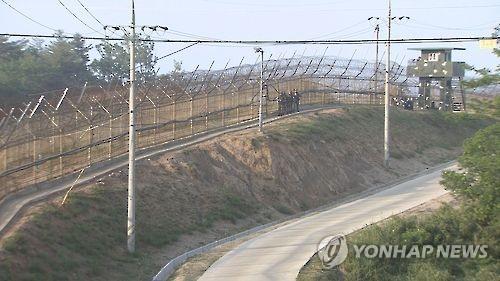 화천 GOP서 군 트럭이 가드레일 충격…4명 부상