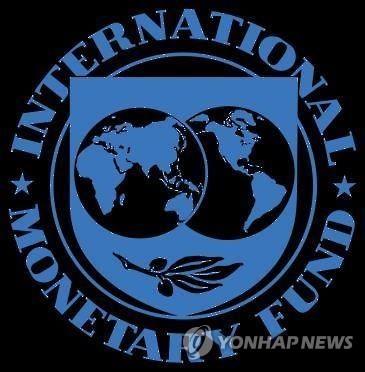 """IMF, 올해 韓성장률 2.6→2.7%로 상향…""""작년 성장률 반영"""""""