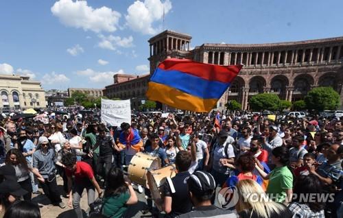 정정불안 아르메니아, 1일 새 총리 선출…러시아 개입 주목
