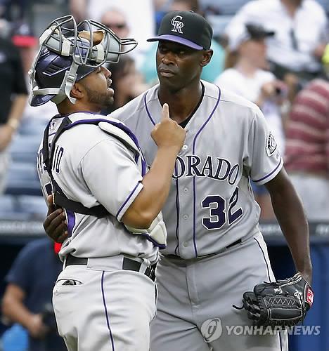 MLB 포수로 319경기…로사리오, 한화에서도 포수 준비