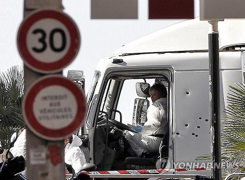 86명 희생된 니스 트럭테러 1주년…범행동기 여전히 오리무중