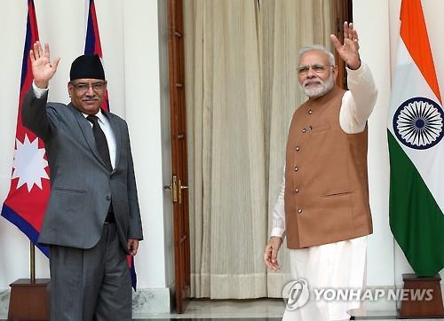 '네팔 붙잡기' 나선 인도…인프라 사업에 3천900억원 차관