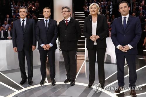 佛대선 첫 TV토론…마크롱·르펜 치열한 주도권 다툼