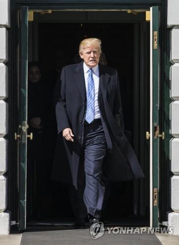 """트럼프 """"오바마케어 곧 폭발할 것…패자는 민주당 지도부"""""""