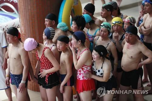 북한 최고 피서지는 문수물놀이장…해수욕장행 열차도 운행