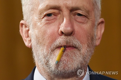 """英 노동당 코빈 총선전략, 트럼프 벤치마킹…""""기득권층 대 국민"""""""