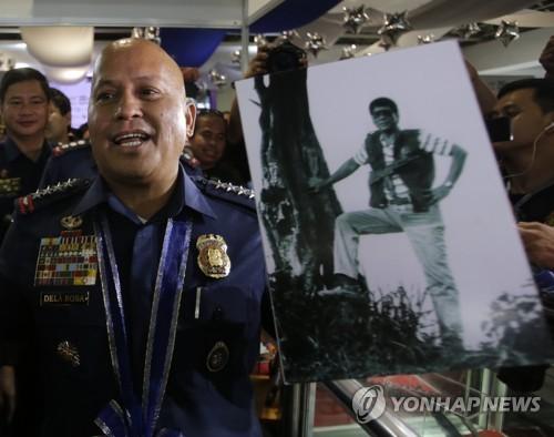 '마약관료 살해' 필리핀 경찰관들 현직 복귀…초법처형 면죄부