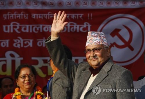 네팔 총리 '줄타기'…中 일대일로 참가 vs 첫 외국방문지는 인도