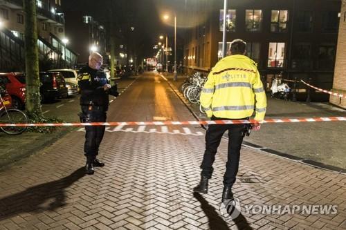 네덜란드법원, 범죄자에게 돈받고 단속정보 판 전직 경찰 5년형