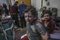 갓난아기까지…시리아군 무차별폭격에 민간인 77명 사망(종합)